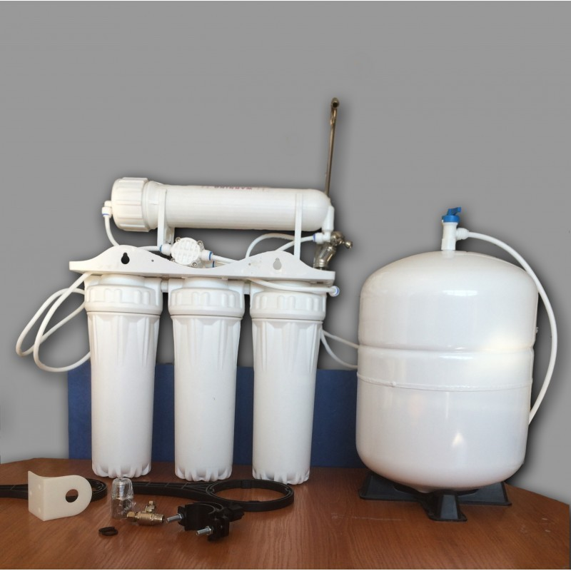 Water purification system for domestic needs